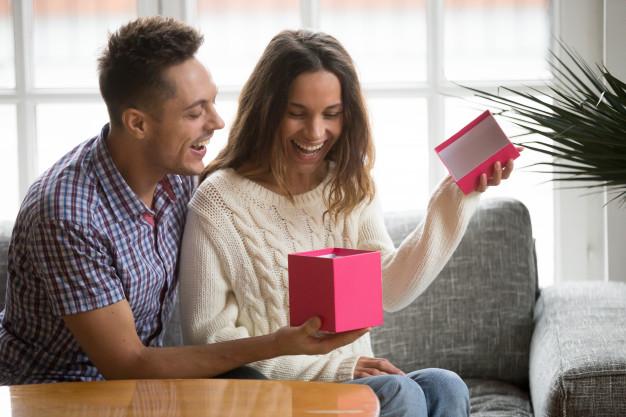 poklon devojci za Dan zaljubljenih