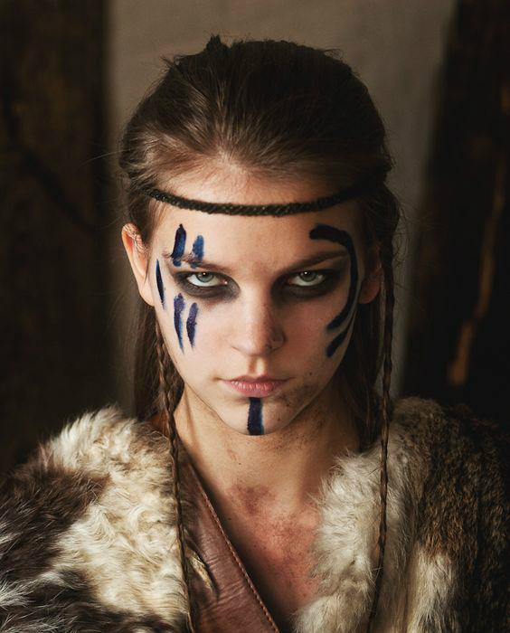 Kreativan EXIT makeup look