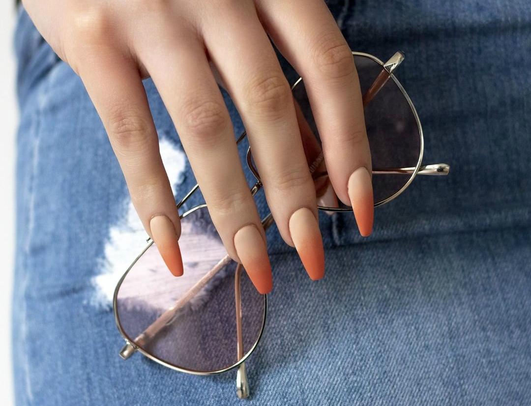 Ombre nokti