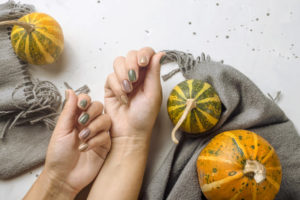 Jesenji nokti – boje koje inspirišu