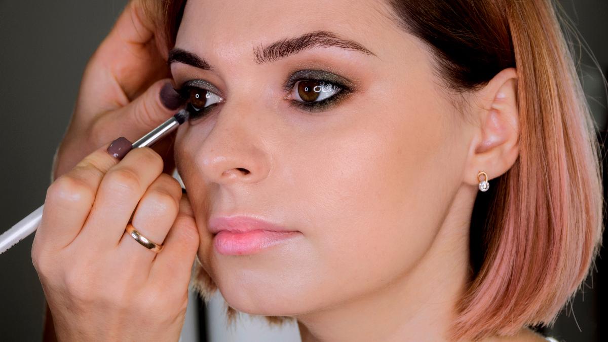 Kako istaći oći uz pravilno šminkanje