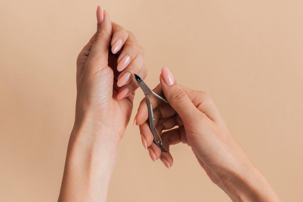 Instrumenti za manikir